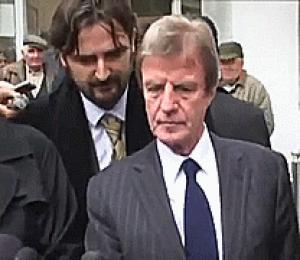 Gif avec les tags : Kouchner,drole,lol,organes,rire