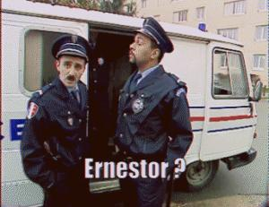 Gif avec les tags : ernestor,police,totor