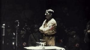 Gif avec les tags : Hitler,arguments,discours,poing