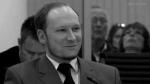 Gif avec les tags : Anders Breivik,rire
